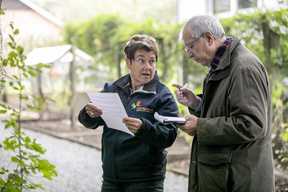 Onze reporter Leo De Nijn op wandel met Vera Grieten.