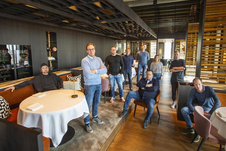 Enkele van de honderd horecaondernemers, onder wie Viki Geunes, Kasper Stuart en Thijs Vervloet.