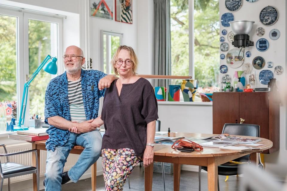 Van filmset naar kunstenaarsnest: Bert en Matty poseren op exact dezelfde locatie waar schrijver Louis Paul Boon en actrice Betsy Blair in 1967 het script van  doornamen.